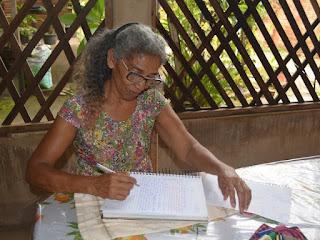Aos 66 anos, aposentada faz Enem pela 1ª vez: 'Quero ser advogada'