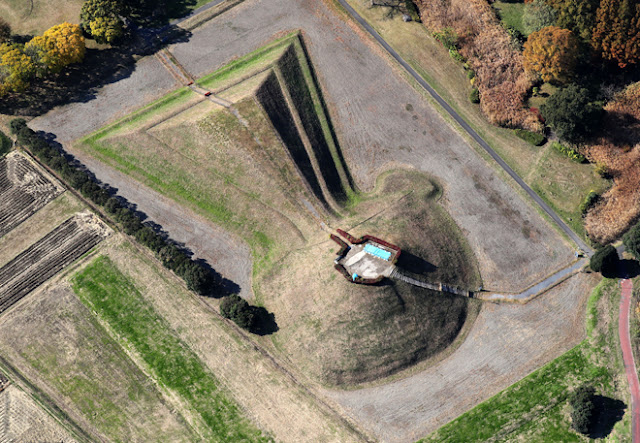 Hidden chamber in 5th-century Japanese burial mound poses new puzzle