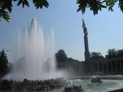 viena-monumentul-armatei-rosii-2