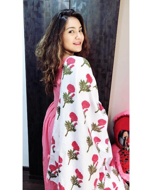 Aashika Bhatia Images 9
