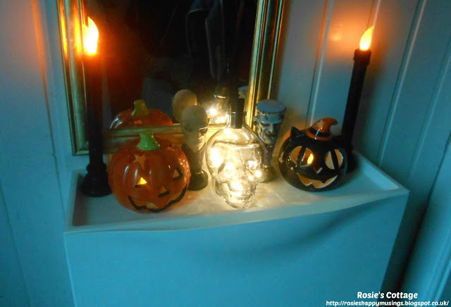 My 5 favourite things about Autumn/Fall:  Halloween decor and making up treat bags for trick or treaters always makes me smile :)