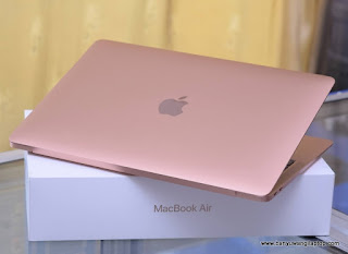 Jual Macbook Air 2019 Rose Gold Core i5 Fullset - Banyuwangi
