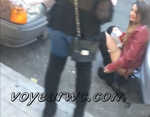 Girls Gotta Go 82_85 (Voyeur pee videos - Drunk spanish chicks peeing in public at festival)