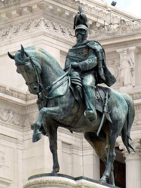 Monumento a Vittorio Emanuele II, Monument to Victor Emmanuel II by Enrico Chiaradia, Rome