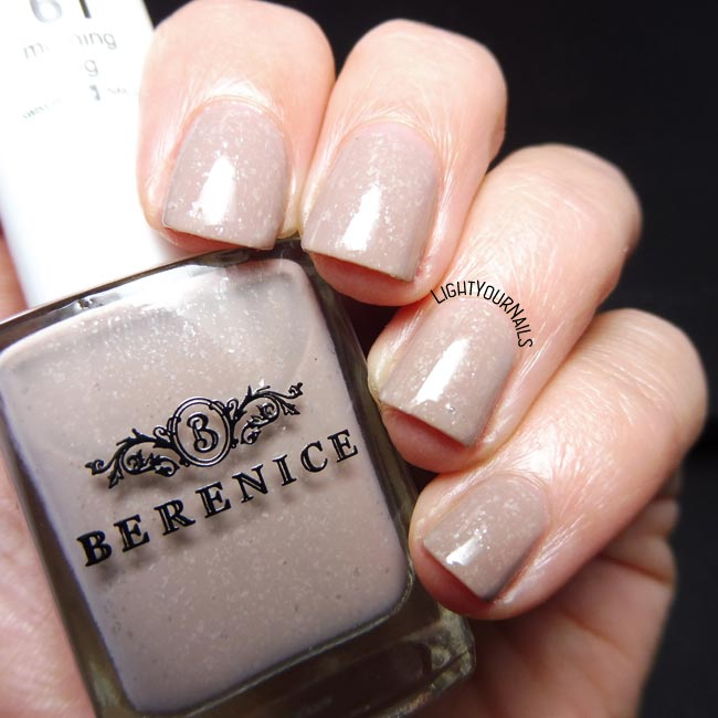 Berenice 61 Morning Fog smalto nude nail polish