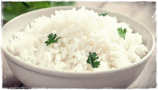 Essa receita de arroz de alho, excelente para a saúde, certamente agradará também o seu paladar. Sabemos que o alho é um dos alimentos que ajudam a aumentar a imunidade, mas não é só isso, pois há ainda inúmeros outros benefícios desse poderoso ingrediente culinário para a nossa saúde. Continue lendo e confira essa deliciosa receita de arroz de alho. A saúde agradece, e o paladar também.