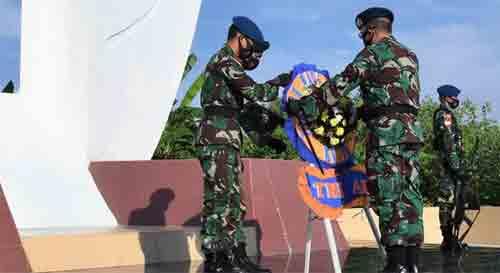 Jelang Hari Bakti, Prajurit Lanud Supadio Ziarah Ke TMP