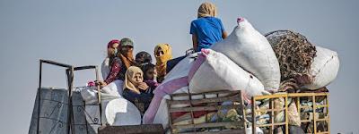 Déplacement de plusieurs familles à Ain Issa dans la banlieue de Raqqa