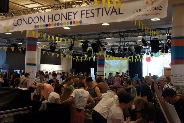 Ας δούμε και το φεστιβάλ μελιού του Λονδίνου...photos