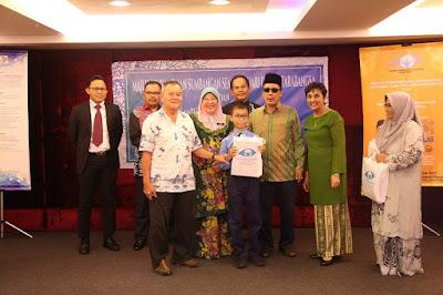 nestle malaysia, sumbangan nestle, braille, cakna braille,buku braille