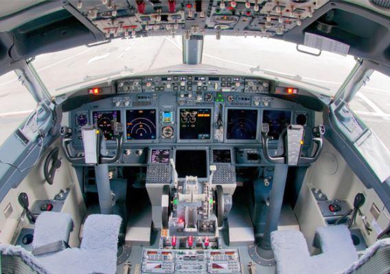Boeing 737-800BCF Cockpit