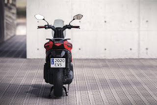 SEAT-e-Scooter-concept-3