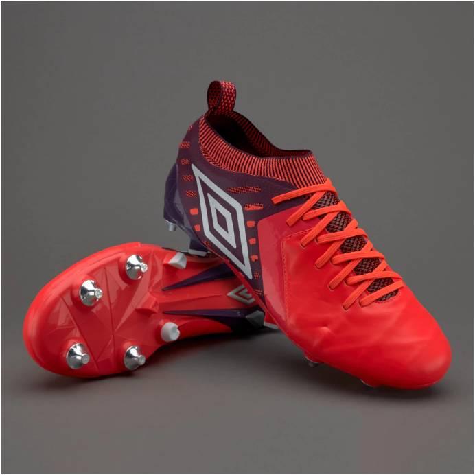 f124ee7b ... (tradicional de Umbro, todos recordamos el modelo Speciali) que permite  que el zapato sea sólo tuyo -el cuero se adapta con el uso- pero con una  suela ...