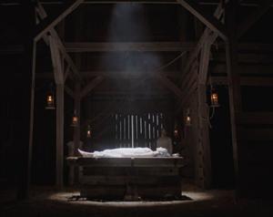 Jessica Reynolds en ritual de brujería