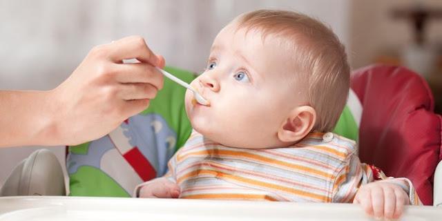6 Makanan yang Tak Boleh Dikonsumsi oleh Anak Usia di Bawah 1 Tahun