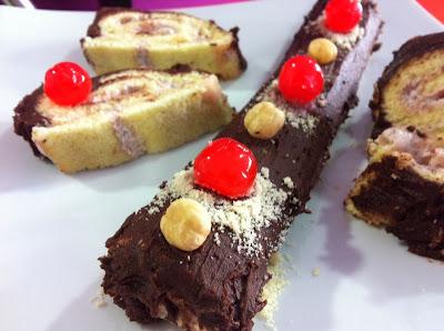 Enrollado navideño con cobertura de chocolate