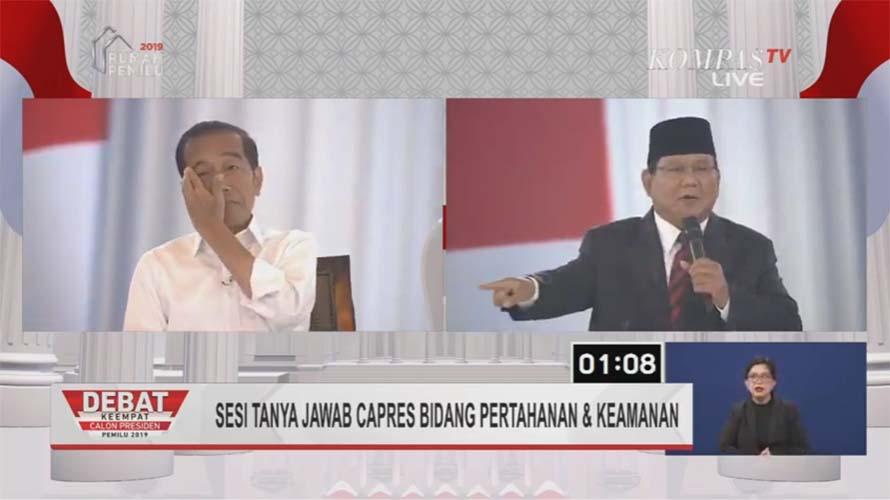 Gestur Jokowi saat Prabowo tanya