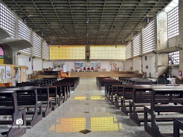 Vista do interior da Paróquia Santa Maria Madalena e São Miguel Arcanjo - Vila Madalena - São Paulo