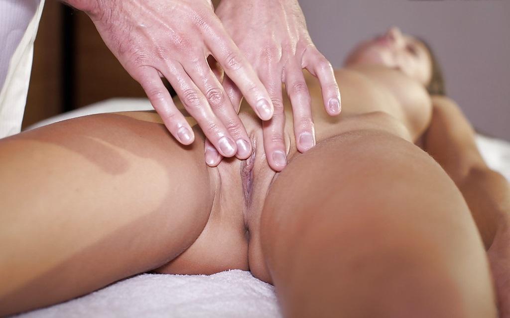 Big pussy lips massage free sex pics