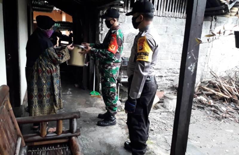 Cegah Covid-19, Kodim 0732/Sleman Bagi Tempat Cuci Tangan