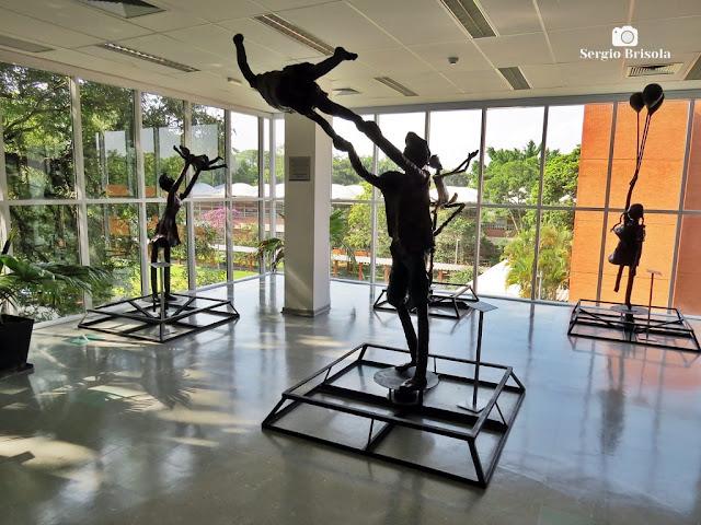 Fotocomposição em contraluz de parte do setor expositivo do Museu da Educação e do Brinquedo USP - Butantã - São Paulo