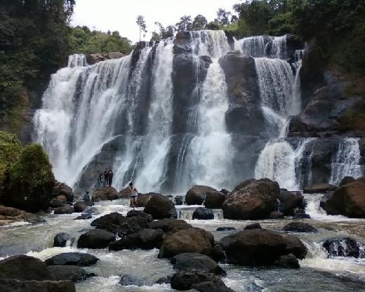 Tertarik Liburan Ekstrim ke Air Terjun Malela di Jawa Barat ?