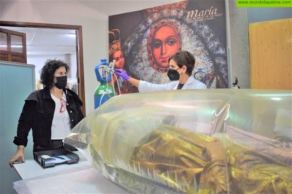 El Cabildo realiza trabajos de conservación de la escultura de Santa Águeda