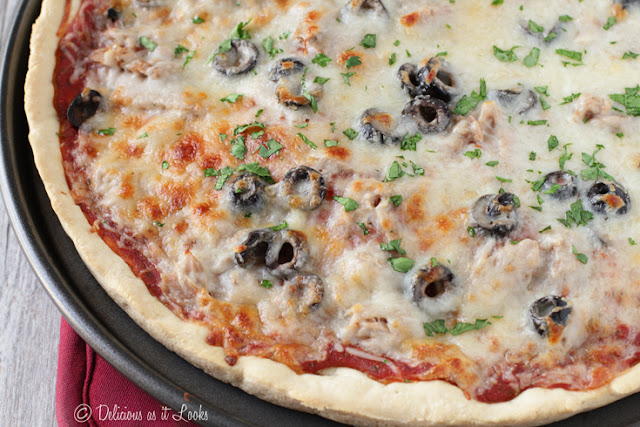 Low-FODMAP Pizza (Quick & Easy!)  /  Delicious as it Looks