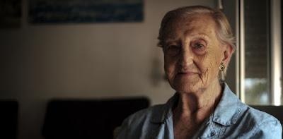 Elena Bardavío Vi gente en el suelo, muertos o heridos, y los chicos que me llevaron me dijeron que no mirara, pero había gente muerta en la calle...