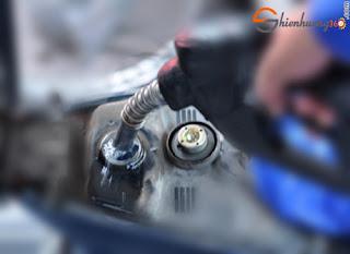 11 Cách giúp tiết kiệm tiền xăng cho xe máy: Nên đổ xăng đầy thay vì đổ nhỏ lẻ