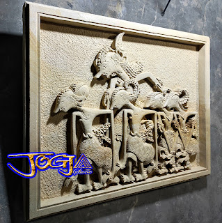 Ukiran relief wayang pendawa lima dari batu alam jogja, batu paras putih