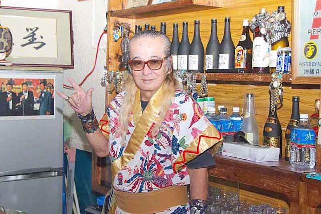 Tomomi,drummer, musician, costume