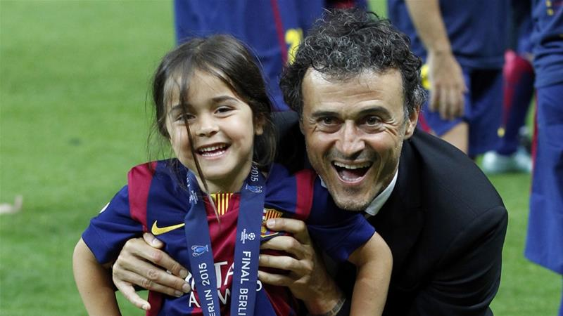 Luis Enrique and his daughter Xana celebrated after Barcelona won the Champions League final in 2015