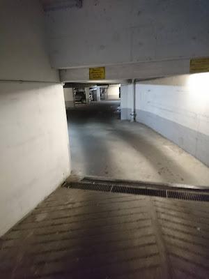 Einfahrt / Eingang in die Akazienstraße 6, Cambio-Station