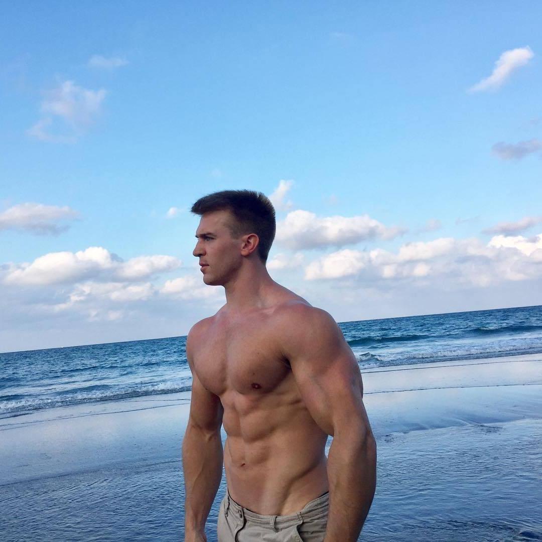 sexy-muscular-alpha-male-adam-charlton-shirtless-dilf-beach-mature-hunk