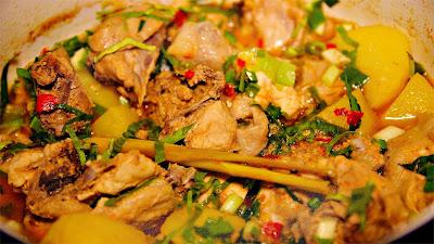 Resep Ayam Woku Belanga Pedas Khas Manado