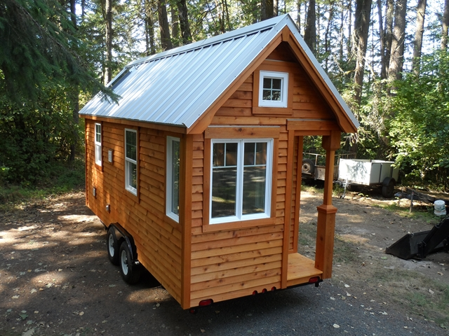 Siskiyou Colonial by the Oregon Cottage Company TINY HOUSE TOWN