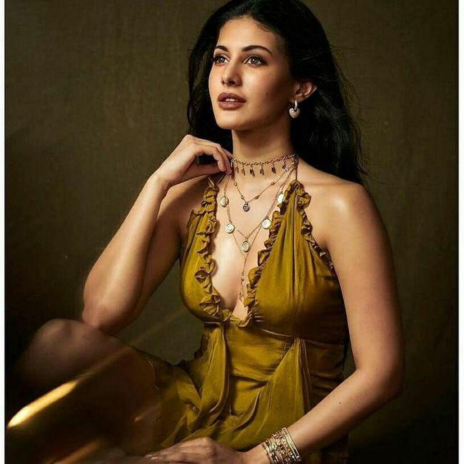 Amyra Dastur Latest Pictures