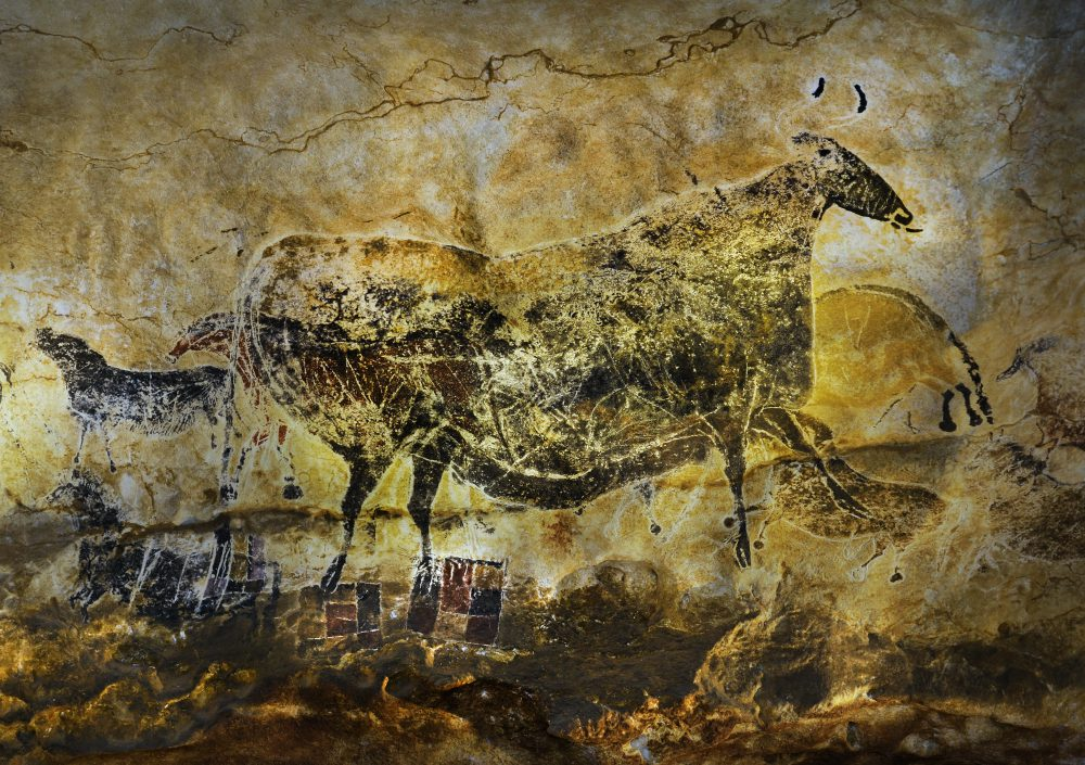 a summary and a history of the cave of lascaux in france A new replica of the stunning lascaux cave, known for its paleolithic cave paintings, was unveiled this month in the dordogne region of southwest france, more than seven decades after the prehistoric art was first discovered.