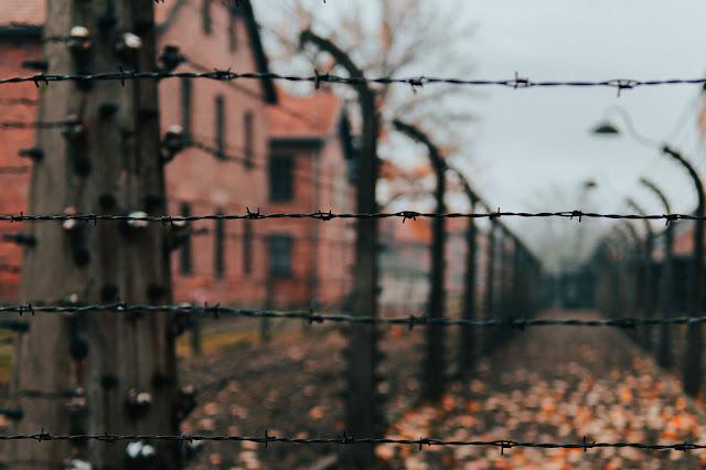Antiguo campo de concentración de Auschwitz-Birkenau.Unsplash/Jean Carlo Emer