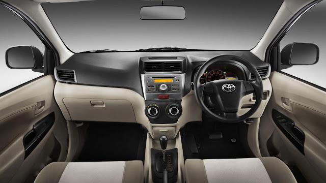 Cara Membasmi Bau Apek Dalam Mobil