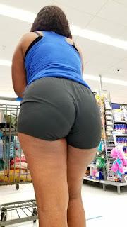 Mujeres colas redondas licras entalladas