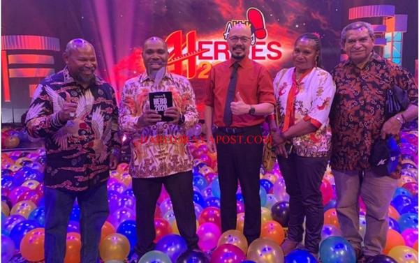 Putra Papua Terima Penghargaan Kick Andy Hero 2020 di Bidang Wisata Alam