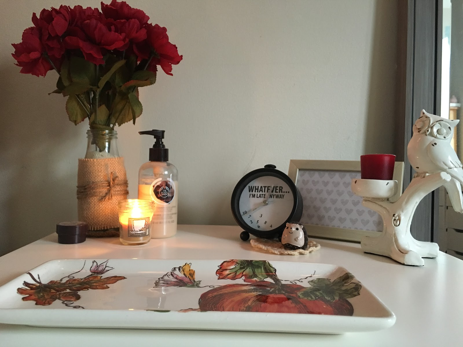 Autumnal Bedside Table | Akinokiki