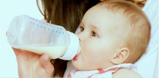 النظام الغذائي الاصطناعي للاطفال الرضع.