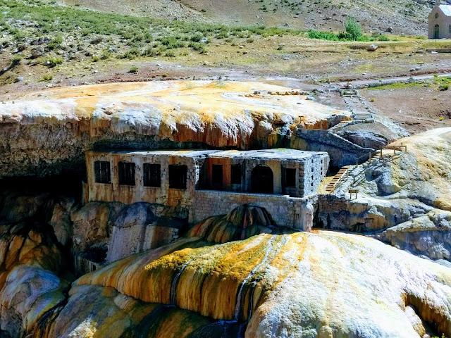 www.viajandoportodoelmundo.com  Puente del Inca el mejor destino de Mendoza