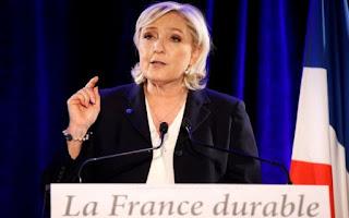 Στη Ρωσία η αρχηγός του γαλλικού Εθνικού Μετώπου Μαρίν Λεπέν