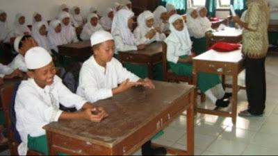 Ikut Dikbud, Kemenag  Lotim Juga Hentikan Sementara KBM Tatap Muka di Madrasah