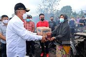 Gerak Cepat,FDW Tinjau dan Bantu Korban Kebakaran di Pasar  Rakyat Tompasobaru