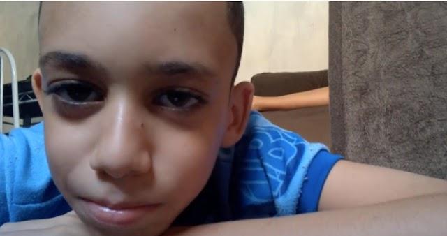 Garoto de 9 anos de idade e que sonha ser Youtube, grava vídeo frustado porque não consegue Likes